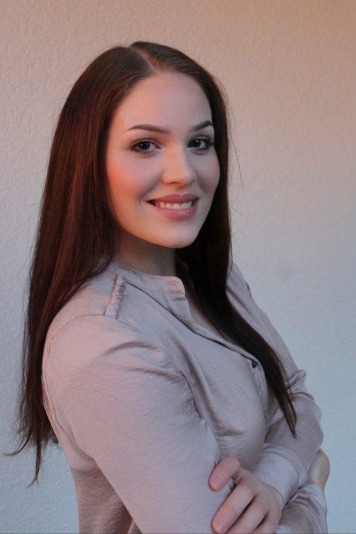 Alina Tek