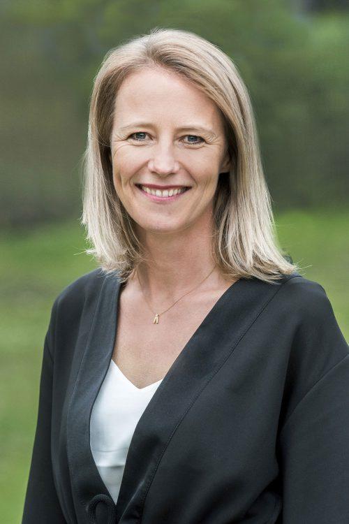 Dr. IlkeHeller